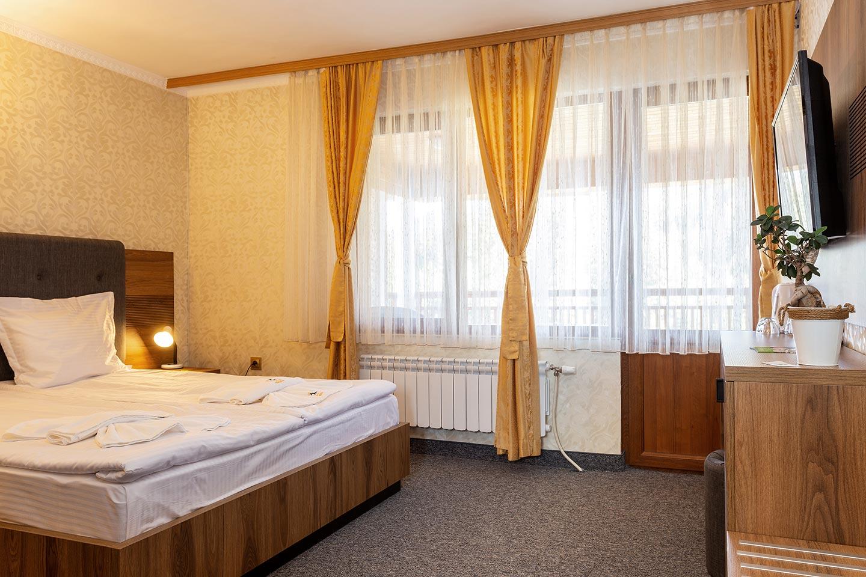 Apartment 100